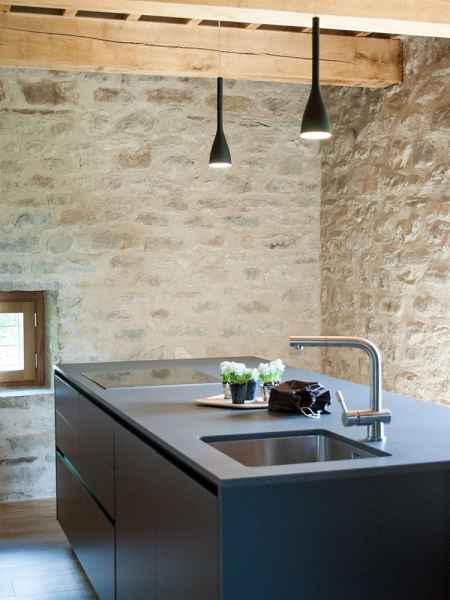 Assise appartement de vacances design en pleine nature avec piscine et jardin privatif. Tourisme à la ferme Gaiattone Perouse, Ombrie, Italie