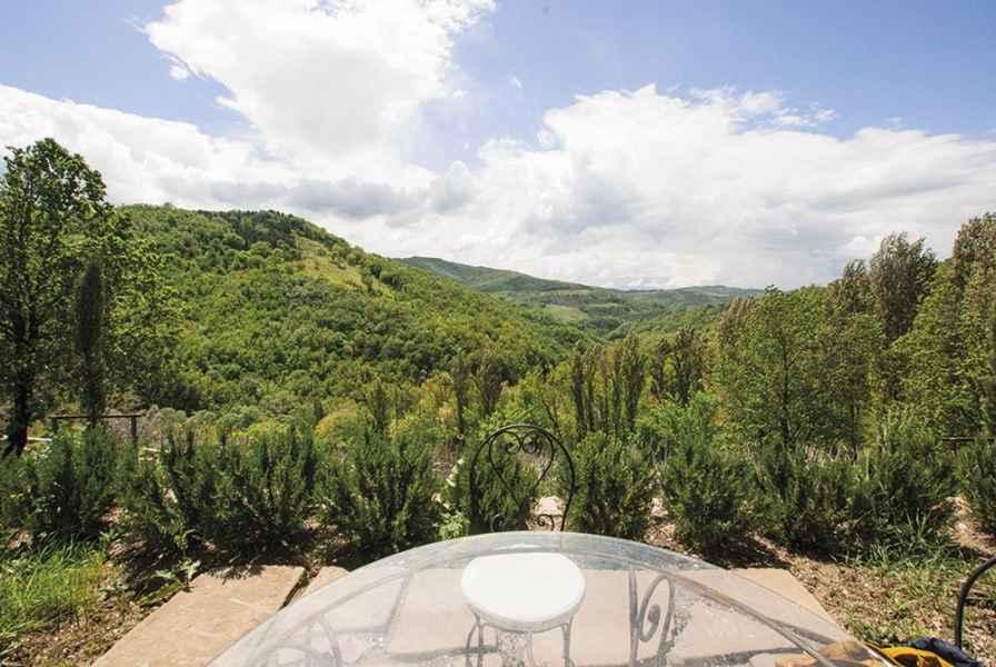 Visiter l'Ombrie. Appartements de vacances design de luxe à Assise. Gaiattone tourisme vert BIO Eco Resort Italie