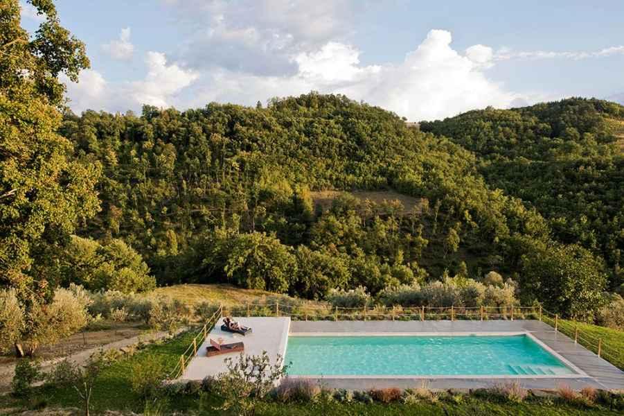 Agrotourisme avec piscine Assise. Vacances relax Eco Resort Gaiattone. Vacances de luxe