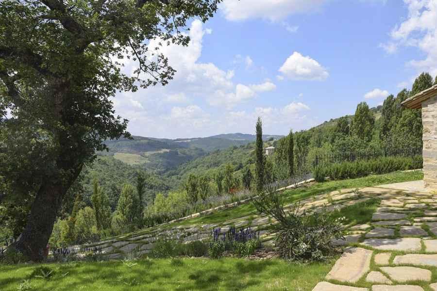 Organic farm holidays in Assisi bnb. Eco Resort Gaiattone Perugia, Umbria, Italy