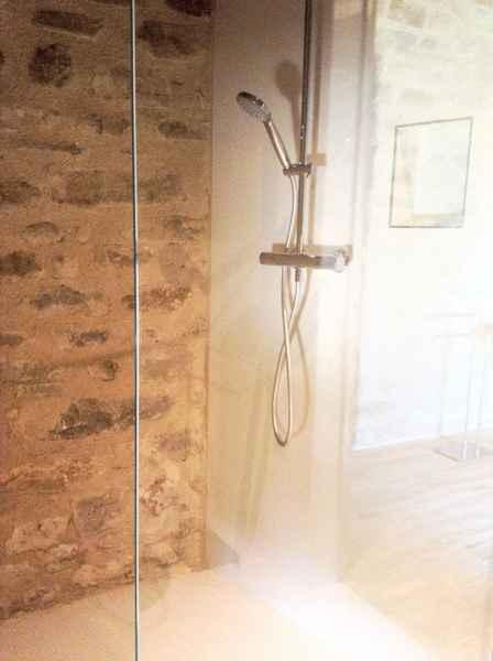 B&B in luxury ancient dwelling Gaiattone Assisi. Holiday apartments rental in eco resort. Gaiattone Umbria Italy