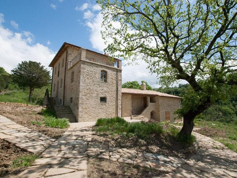 Appartements de vacances en agrotourisme avec piscine Gaiattone Assise. Restauration écologique et produits certifiés BIO. Assise, Ombrie, Italie