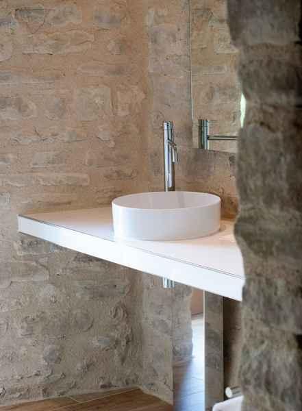 Bio Agriturismo Gaiattone design e lusso con piscina immersa nella campagna delle colline di Assisi. Turismo verde, lusso e design in Umbria